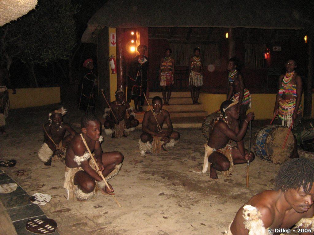 Danses zoulous dans notre lodge