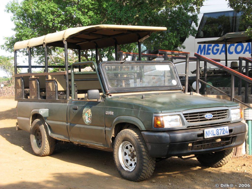 4x4 pour le safari dans le parc Zulu Nyala