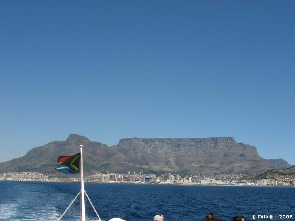 Le Cap au pied de Table Mountain vu de la mer