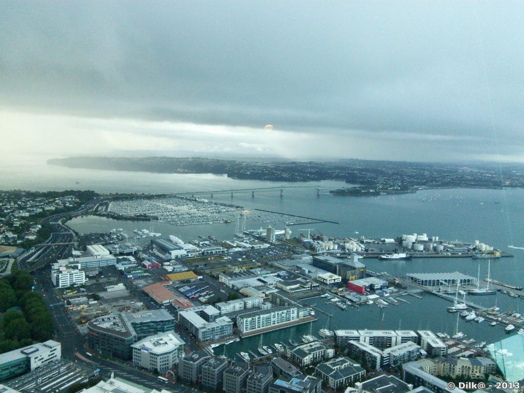 Auckland vue du haut de la Sky Tower