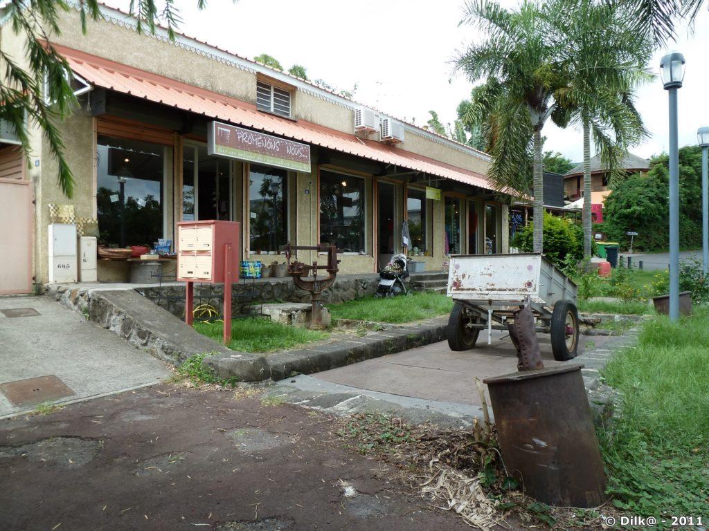 l'ancienne sucrerie du village artisanal de l'Eperon