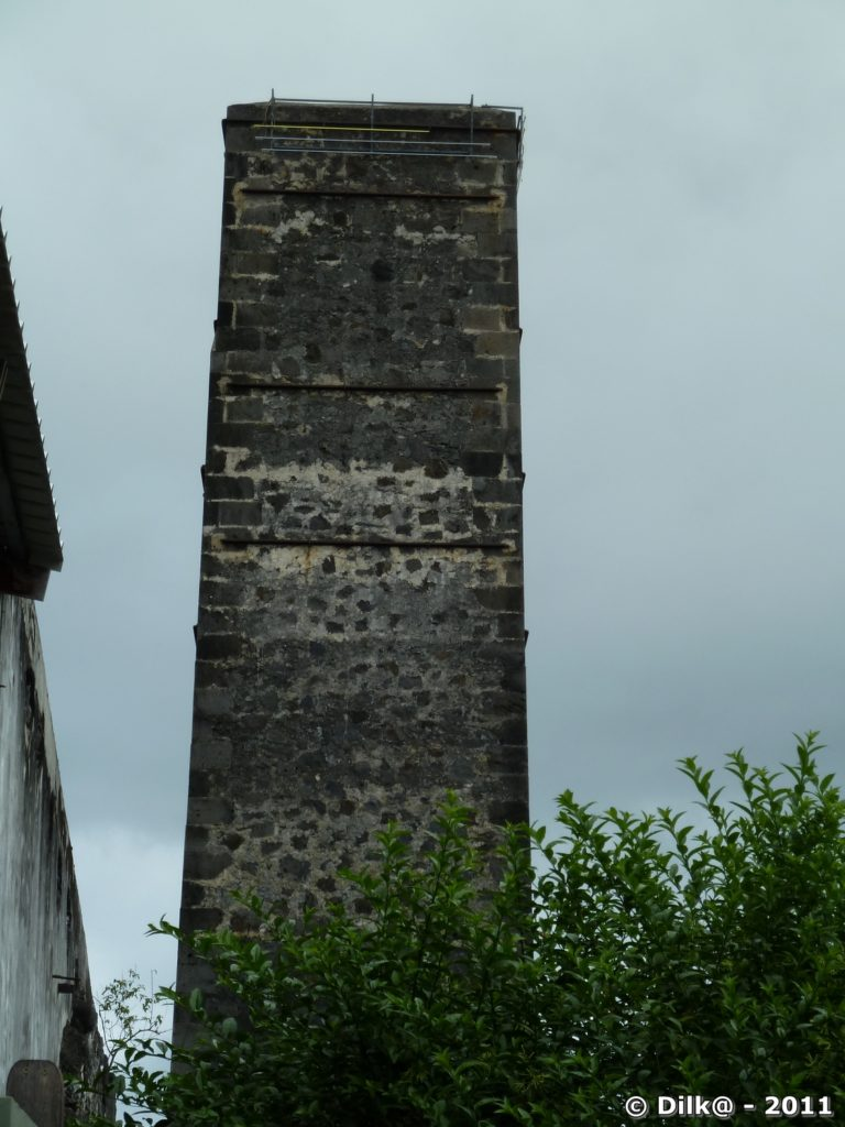 le grande cheminée de la sucrerie
