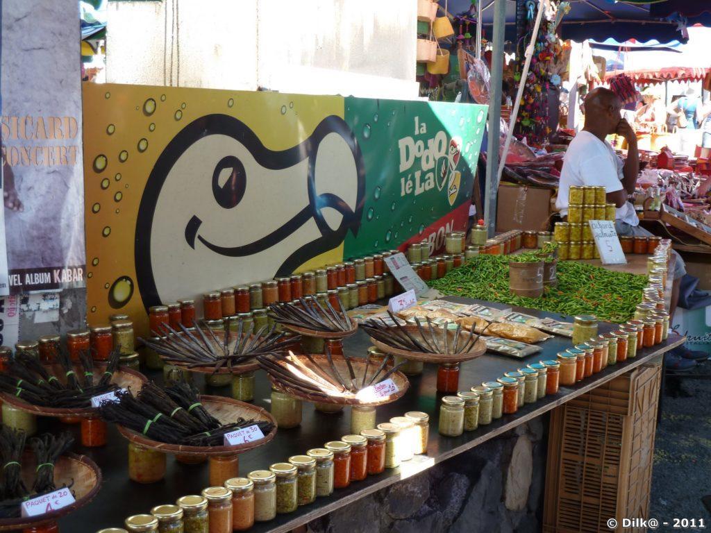 la vanille au marché de Saint-Paul