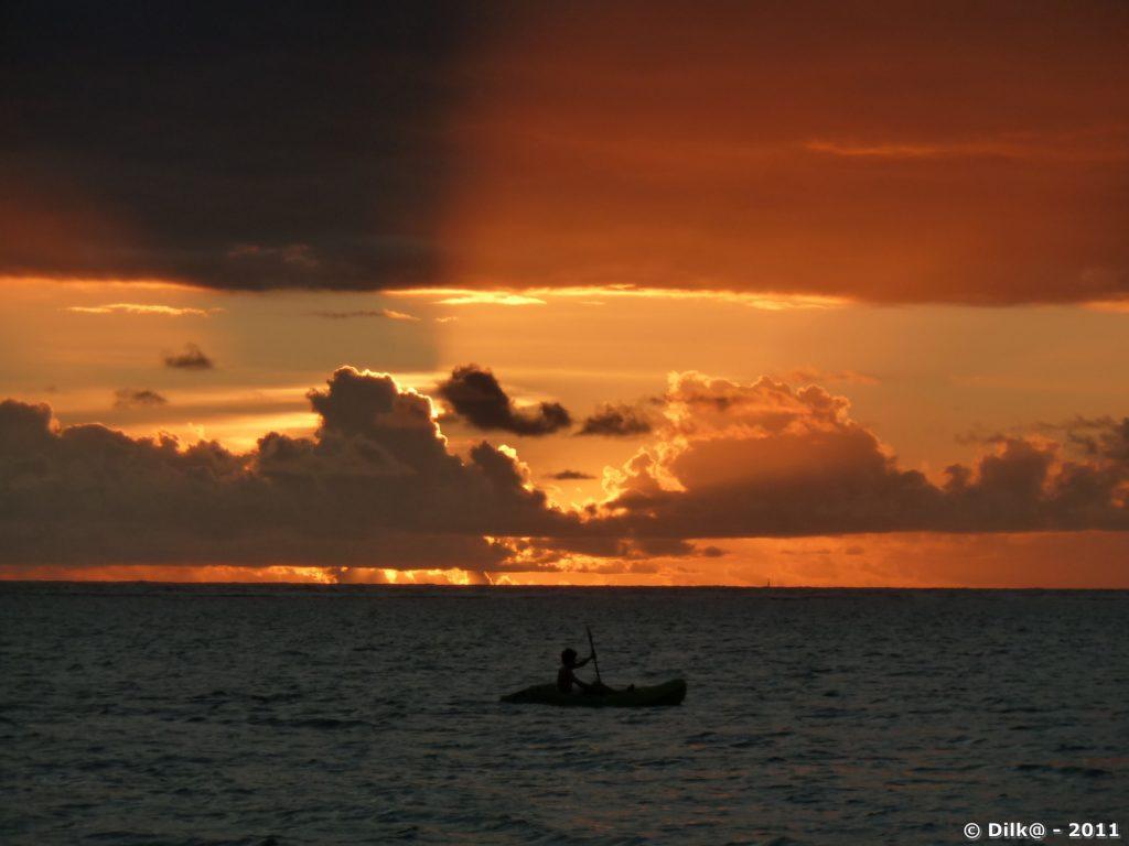 la plage de la Saline au coucher du soleil