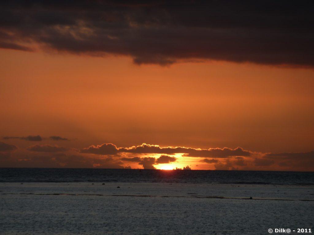 coucher du soleil à la plage de la Saline