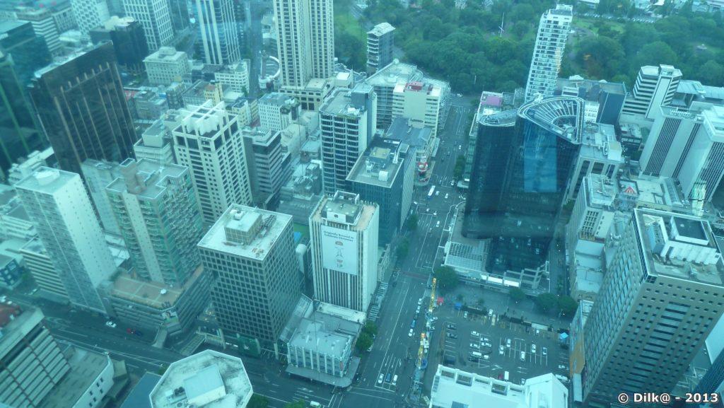Sous nos pieds, la ville d'Auckland