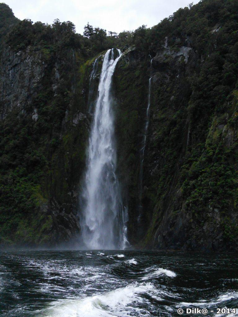 Cascade dans le Milford sound
