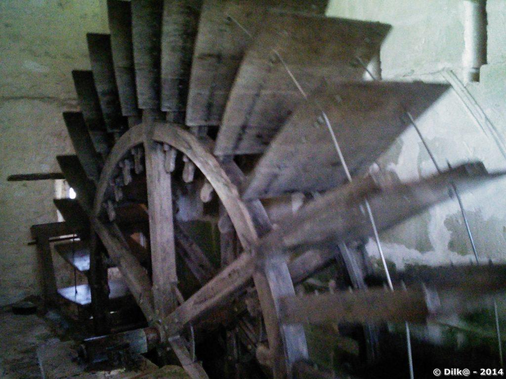 La roue du moulin à eau