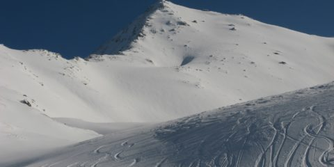 Sommets en haut des piste de ski