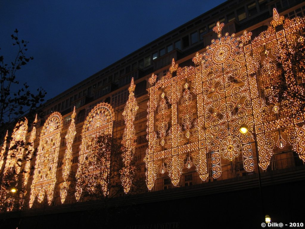 Illuminations des grands magasins de Paris
