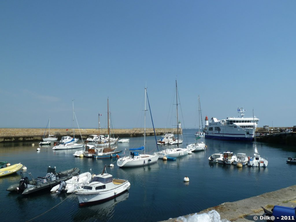 Notre bateau dans le port de Groix