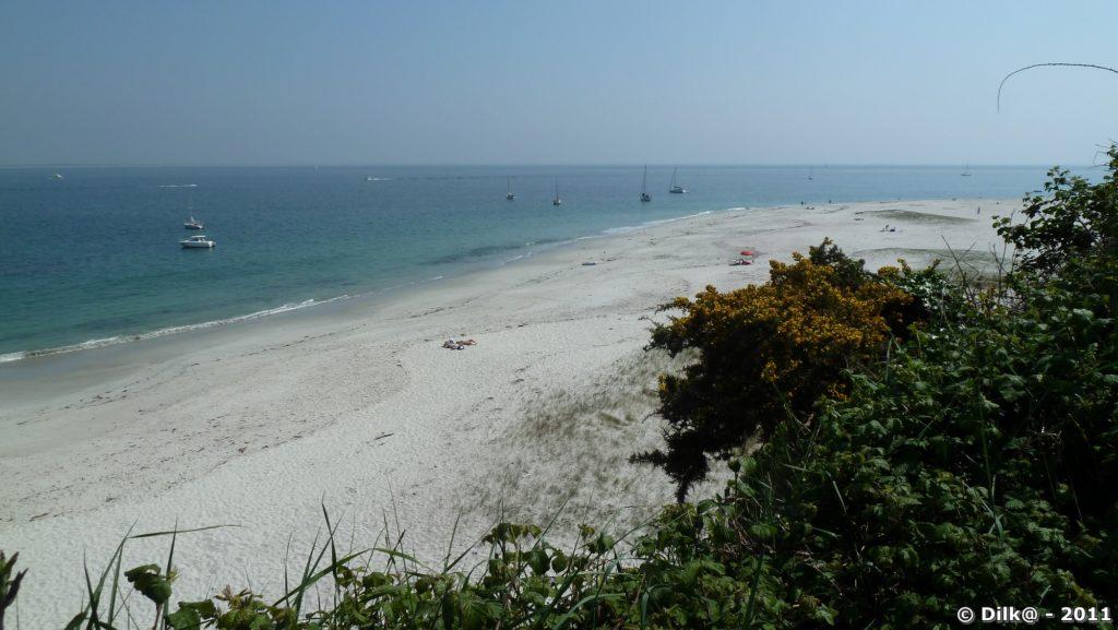 le sable blanc de la plage des Grands Sables