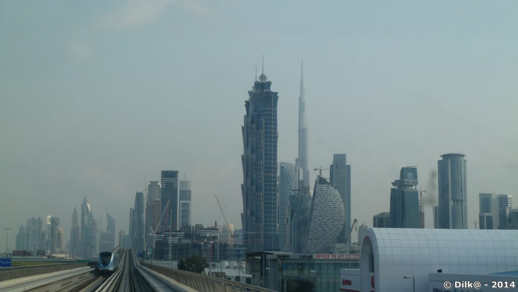 La tour Burj Khalifa est la plus fine et pointue