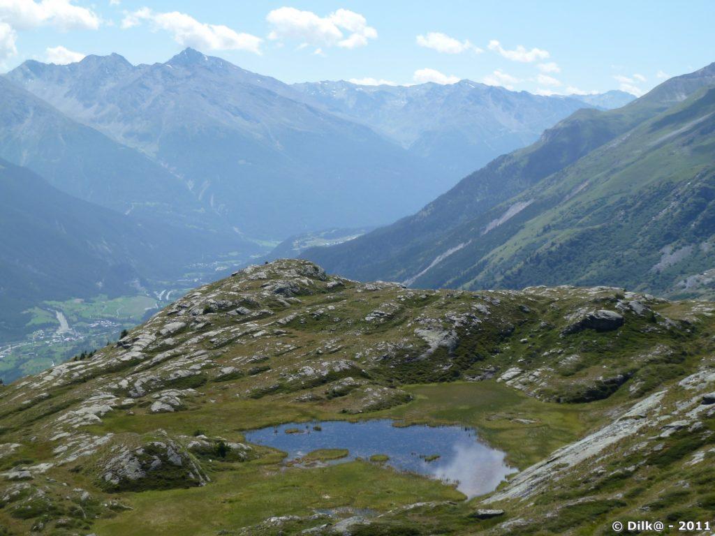 Juste avant d'arriver au lac Blanc : le Lac du Lait (en bas de la vallée : Termignon)