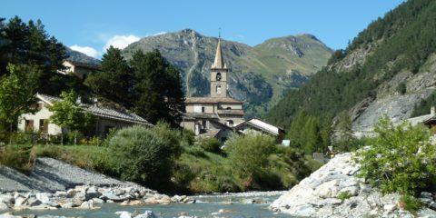 L'église de Termignon, le Doron qui se jette dans l'Arc à l'entrée de Termignon