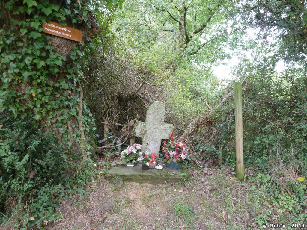 La Croix Gâte marque la présence d'un cimetière de lépreux au Moyen-Age