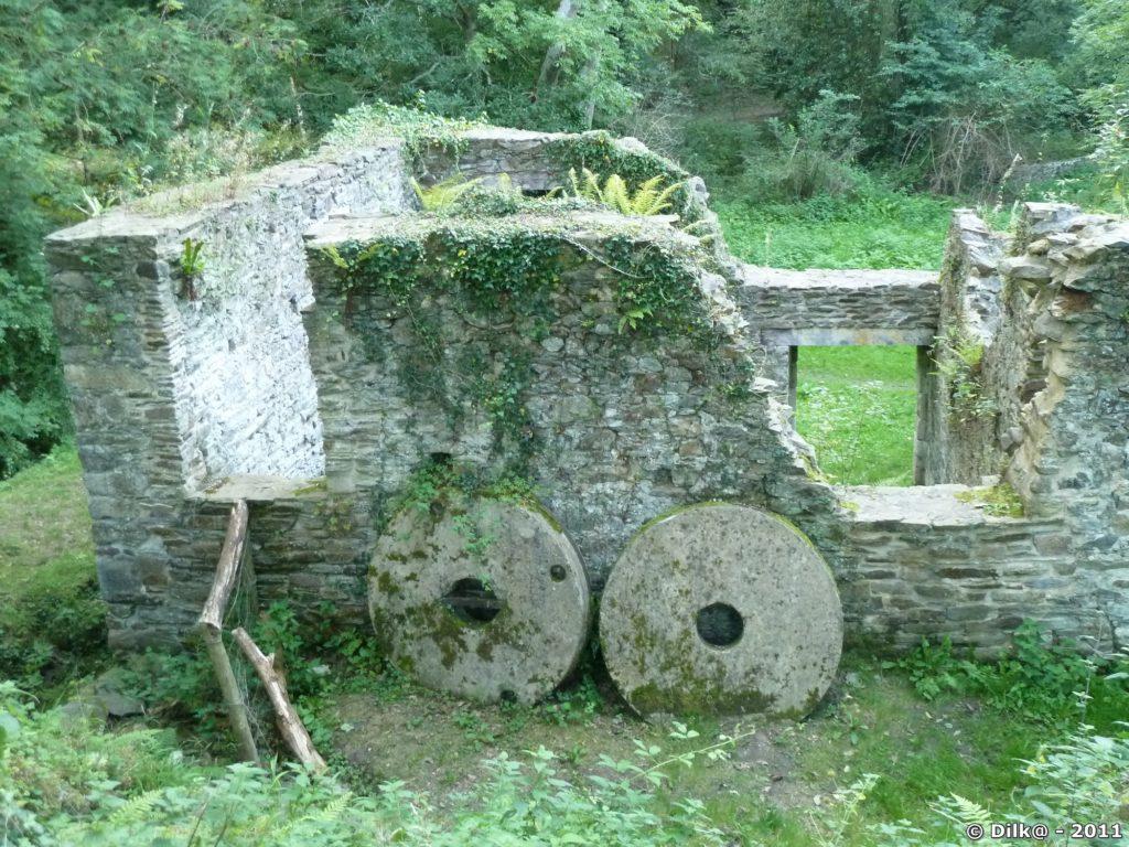 Les meules du moulin