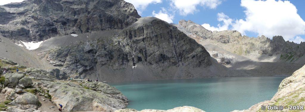 Le lac de l'Eychauda et les glaciers