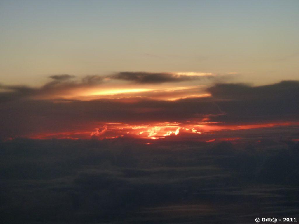 Lever de soleil depuis l'avion