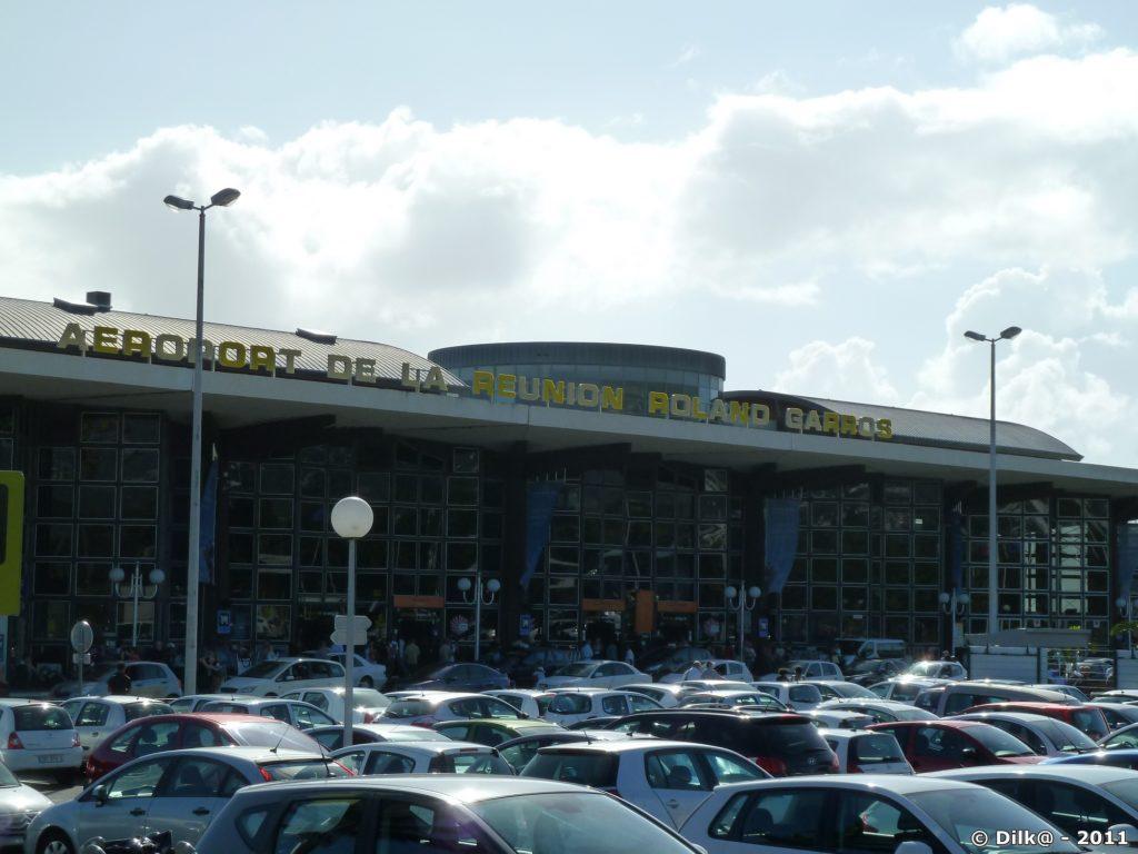 Aéroport de Saint-Denis vue de l'extérieur
