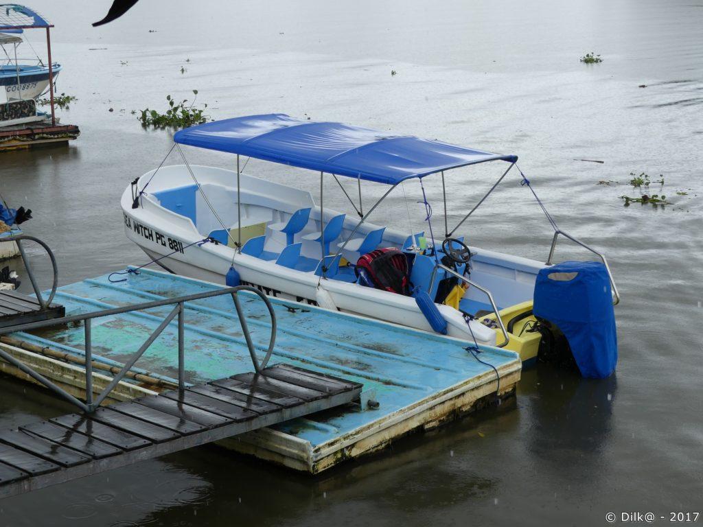 bateau pour Pirate Cove