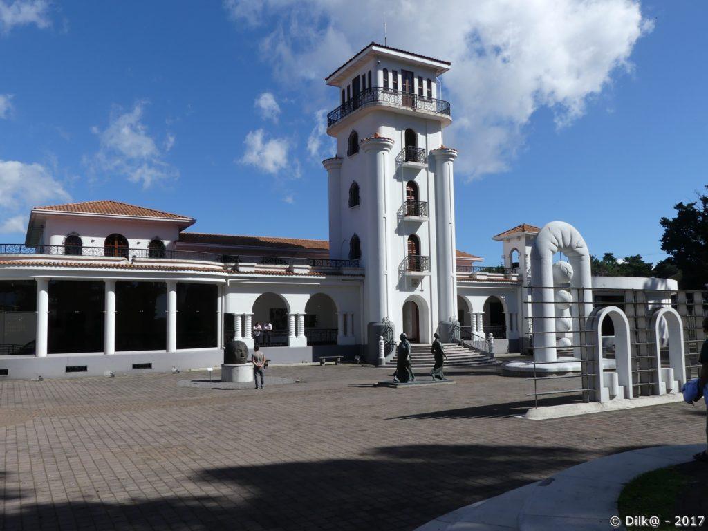 musée art Costa Rica (ancien aéroport)