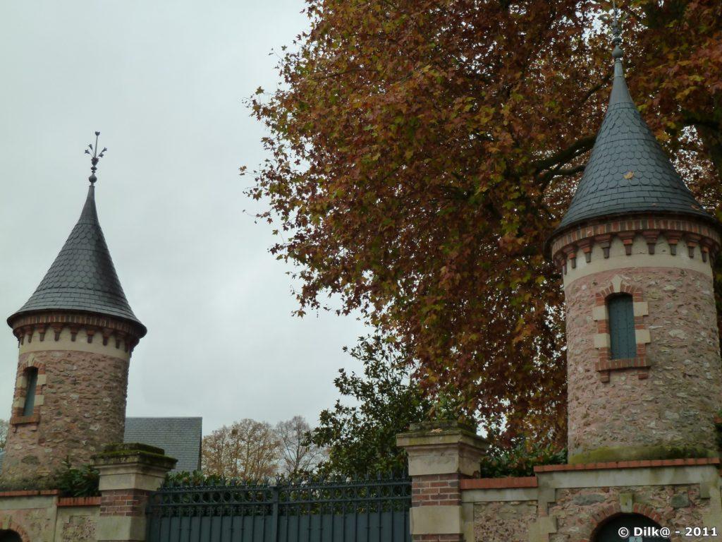 L'entrée du château de Souzy-la-Briche
