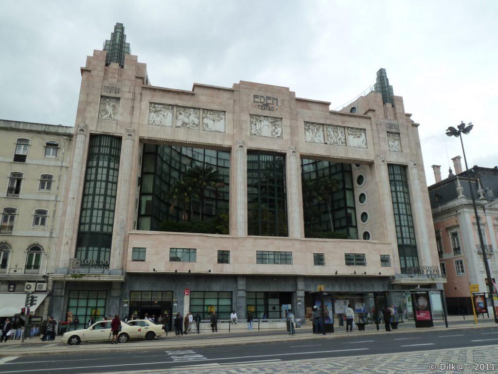 « Eden Teatro » (théâtre Eden), avec sa façade imposante