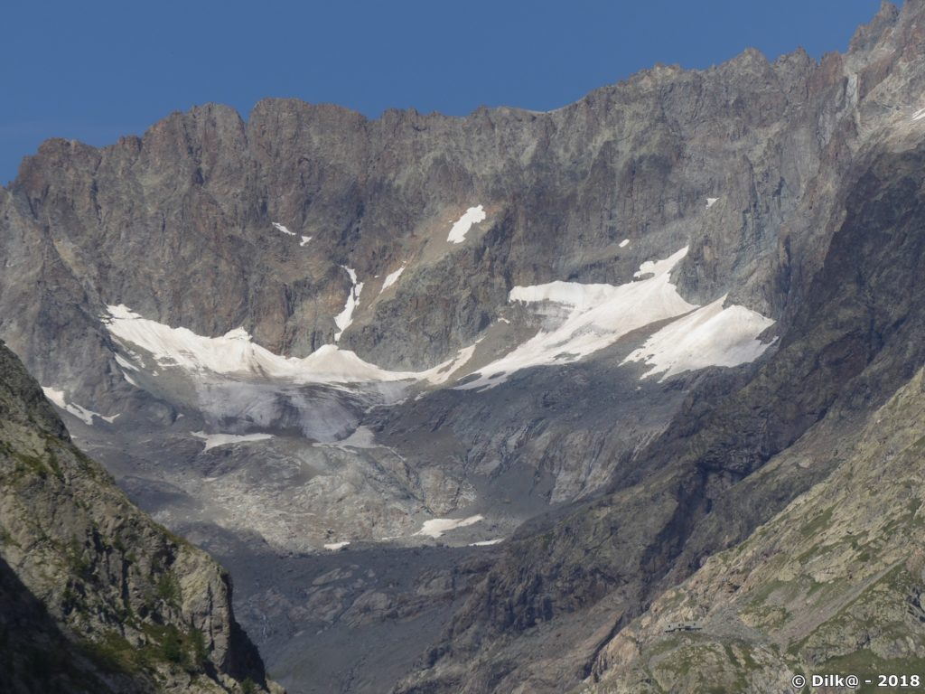 Les glaciers au fond du vallon du Sélé