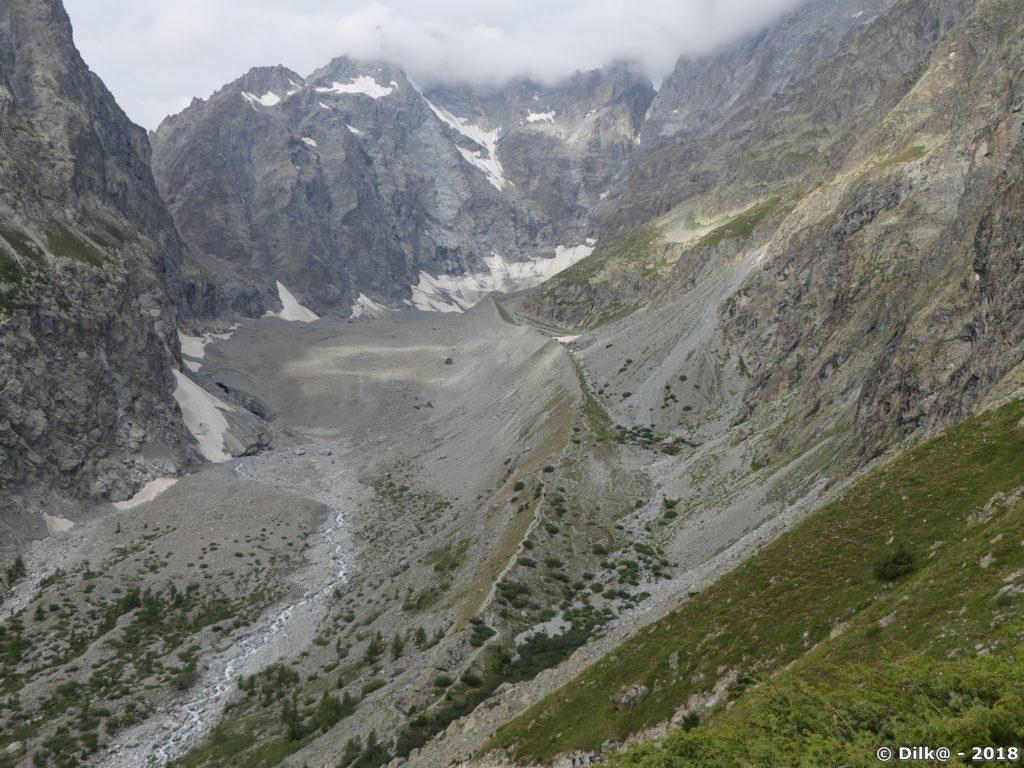 Le Glacier Noir rejoignait le Glacier Blanc dans le pré de Madame Carle, il ne reste plus rien du Gacier Noir