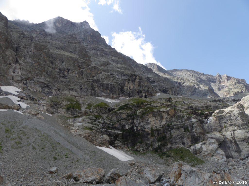 Les sommets autour du fond du vallon du Sélé