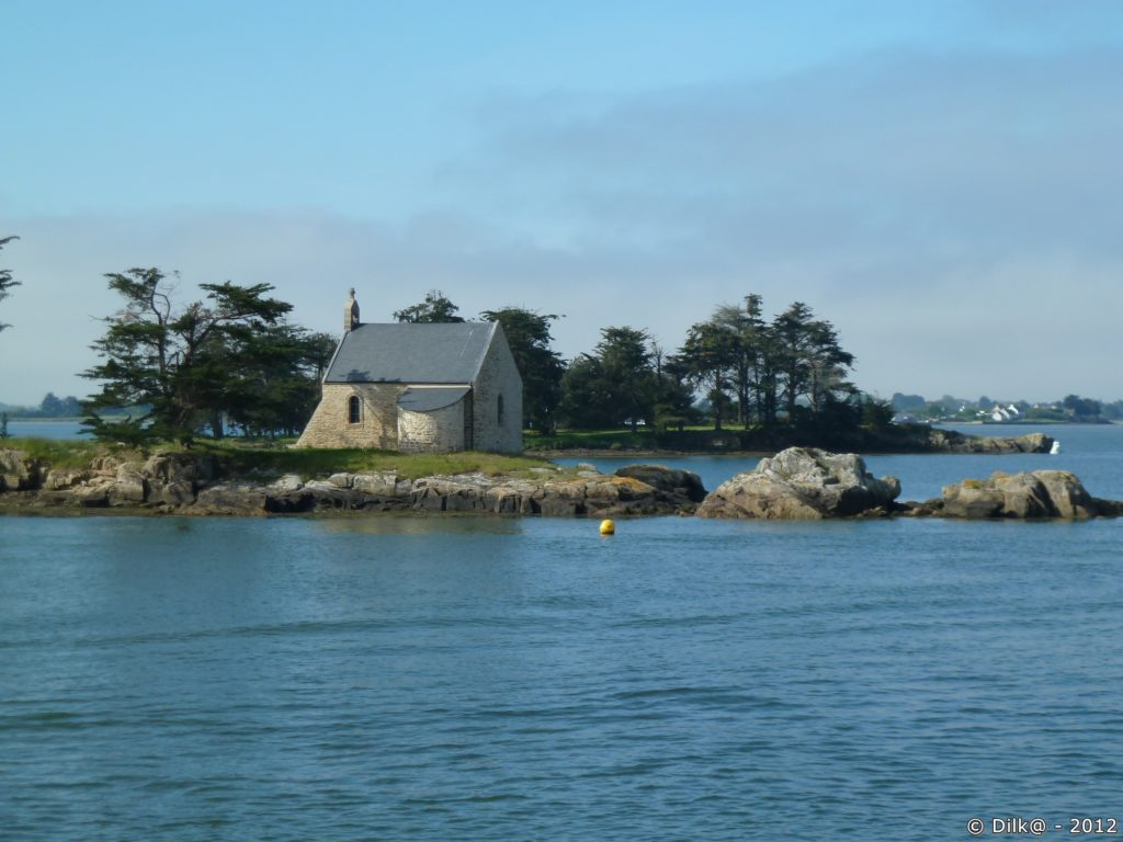 Le golfe du Morbihan est parsemé de nombreuses îles et îlots