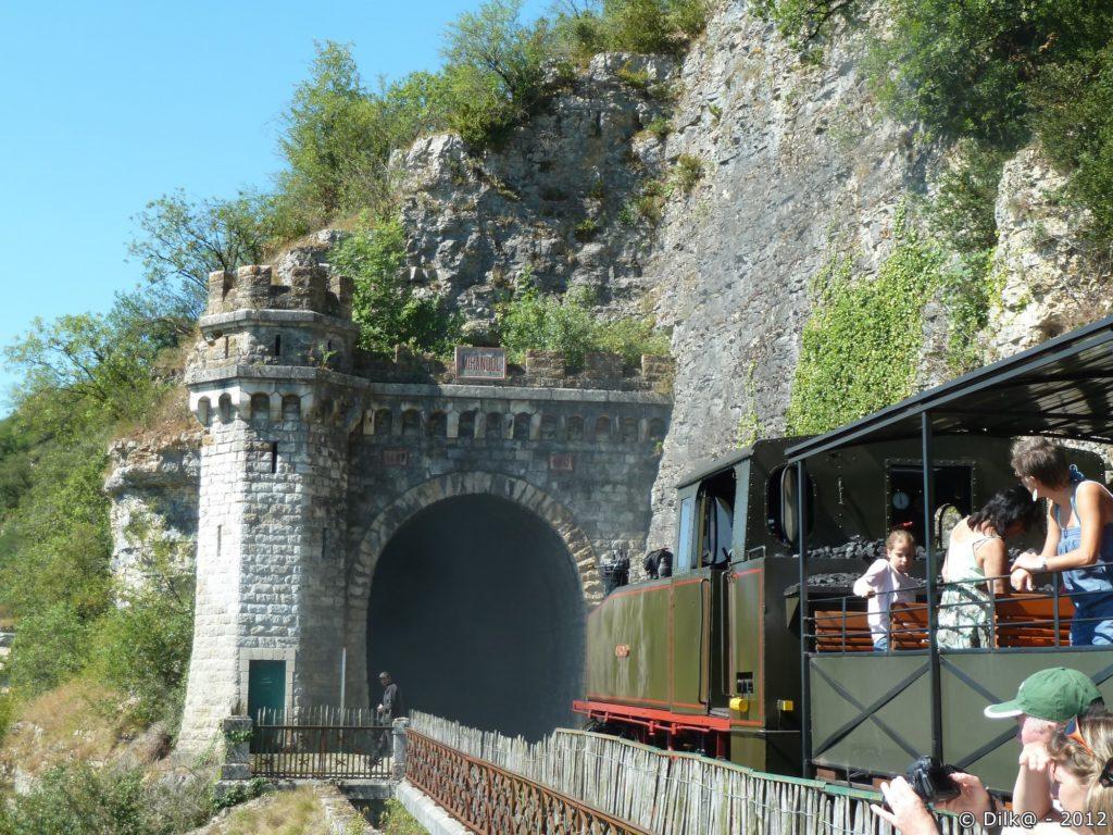 L'un des tunnels de la ligne