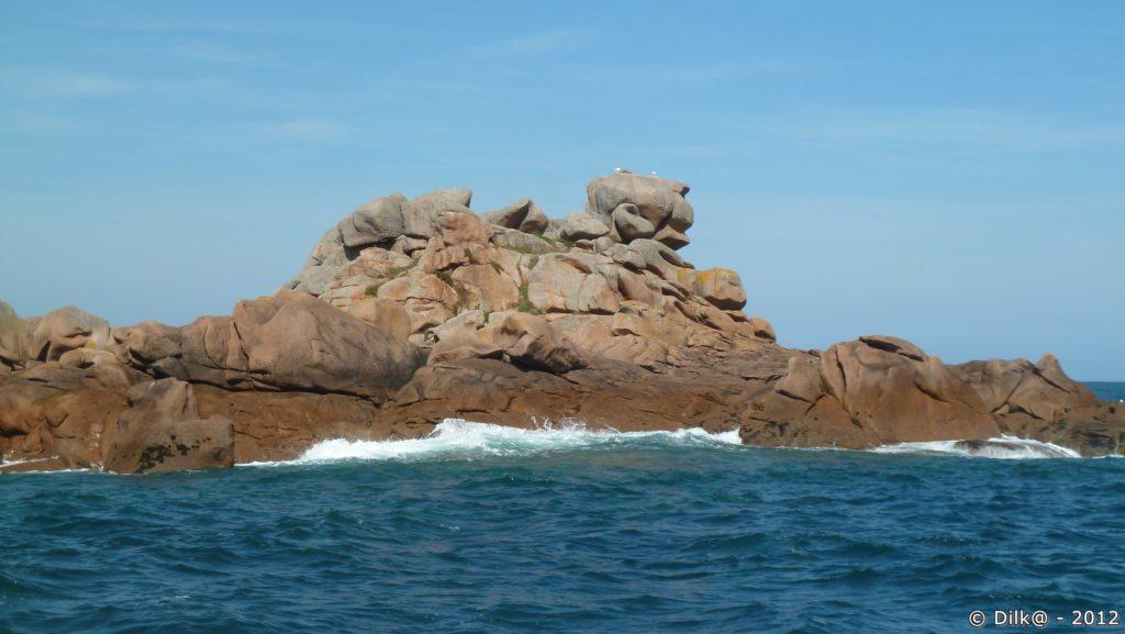 La côte de Granit Rose vue de la mer