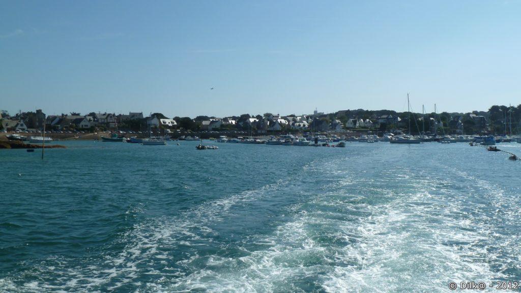 Le port de Ploumanac'h vue de la vedette de croisière aux Sept-Îles