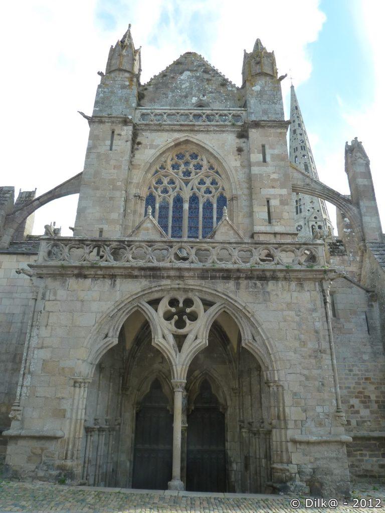 Porche de la cathédrale Saint-Tugdual