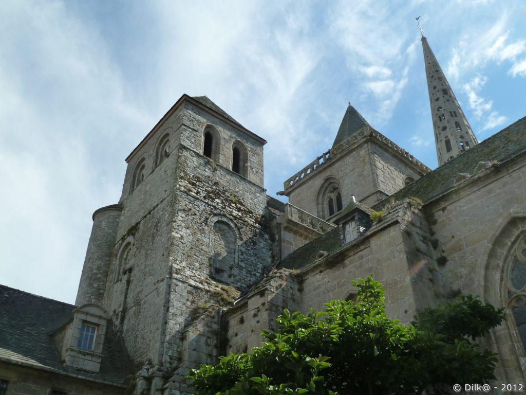Côté roman de la cathédrale Saint-Tugdual
