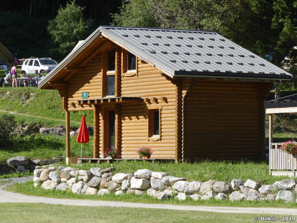 Chalet Isba au camping de l'Idertan