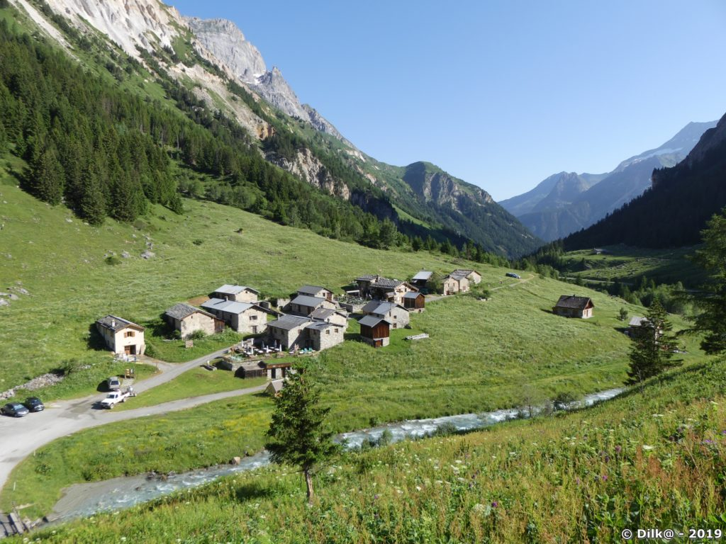 Le hameau des Prioux