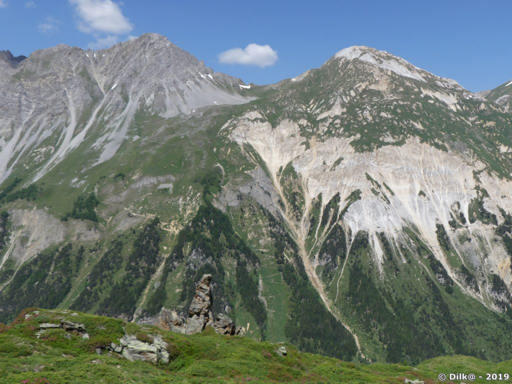 Le Petit Mont-Blanc (à droite)