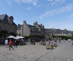 La place principale de Locronan
