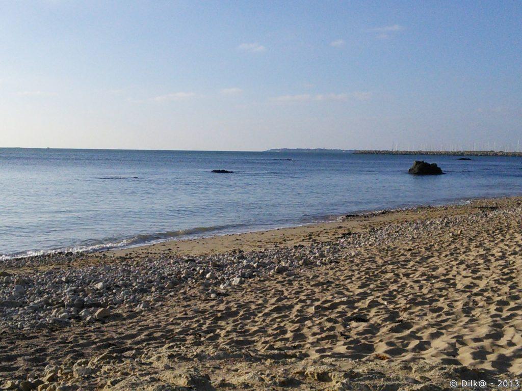 La plage sous le soleil d'hiver