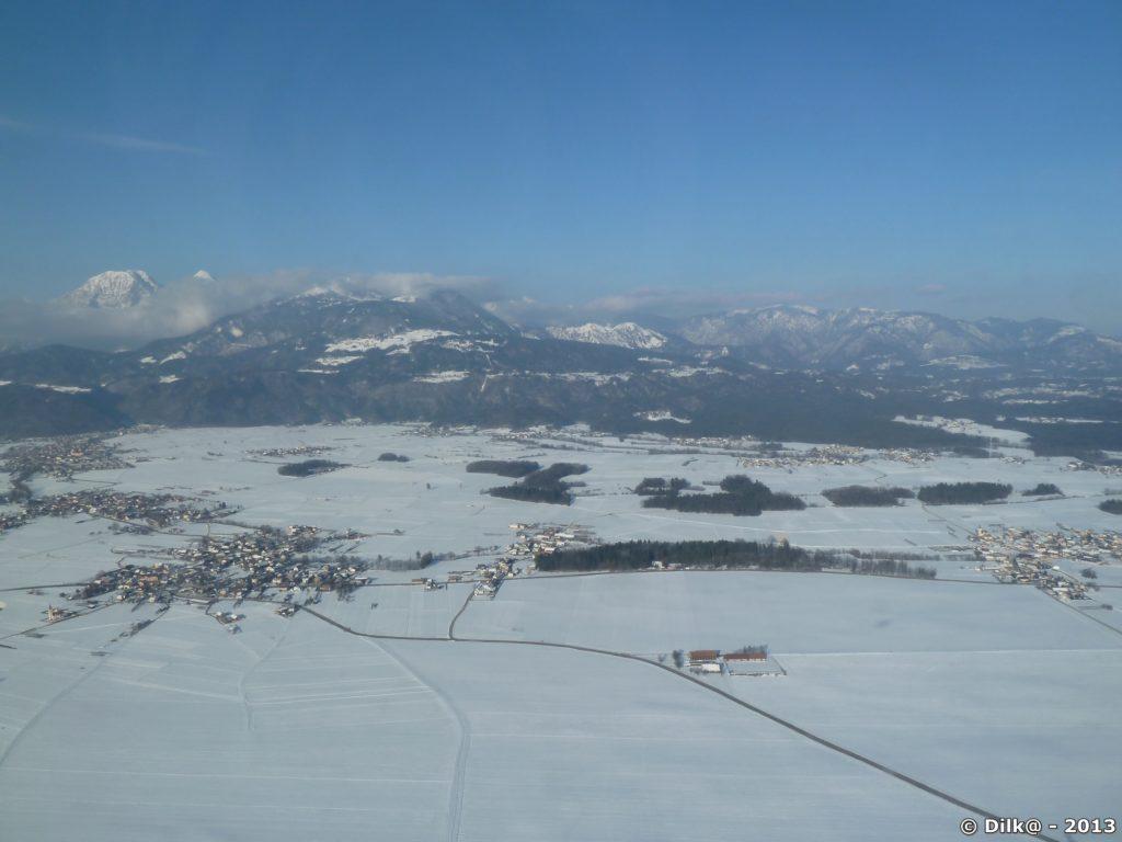 Village de Slovénie vus de l'avion