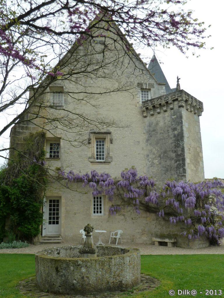 Le côté du château