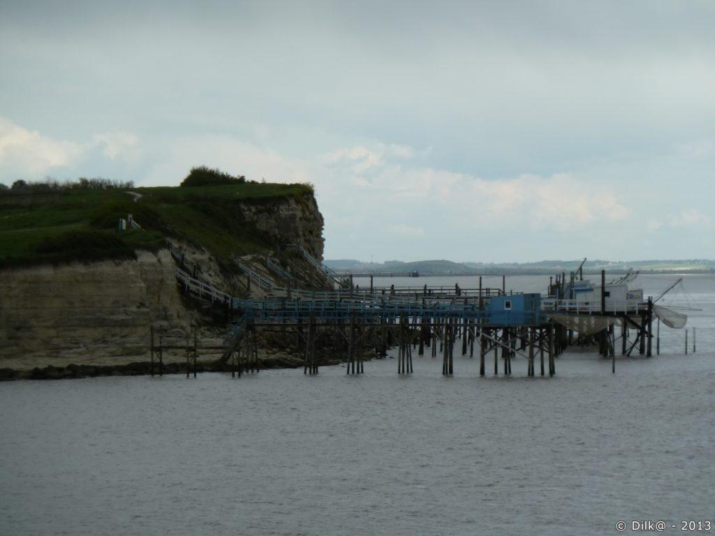 Les pêcheries le long des falaises de Caillaud