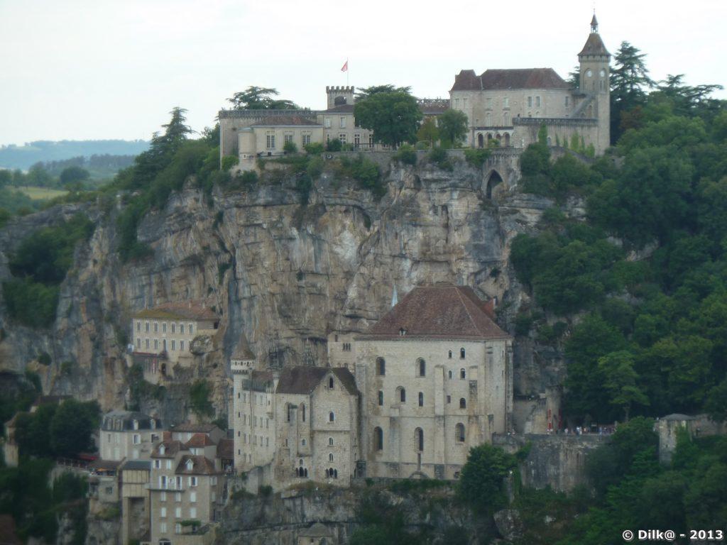 La ville accrochée sur plusieurs niveaux