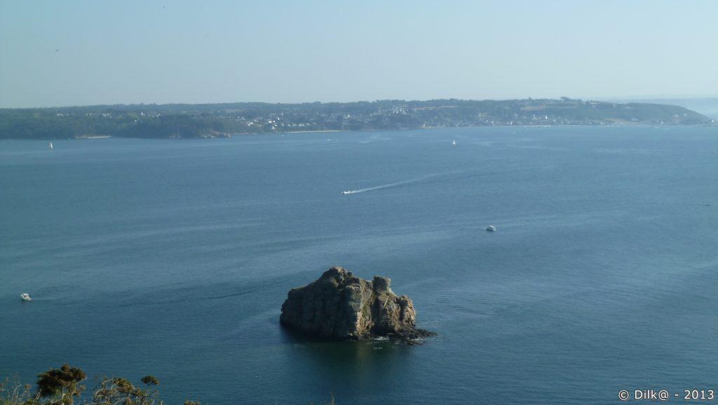 La roche Mignonne et la côte du Finistère