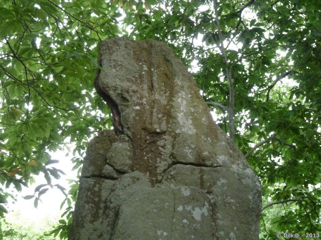 Le menhir de Véadès ou « la bonne femme »