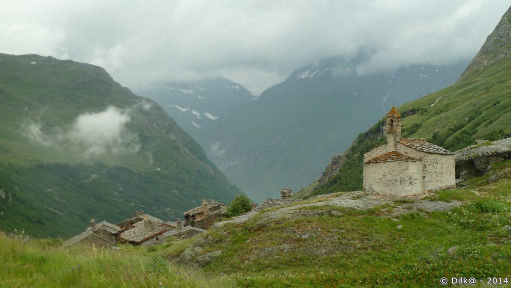 Le hameau de l'Ecot et sa chapelle Sainte Marguerite