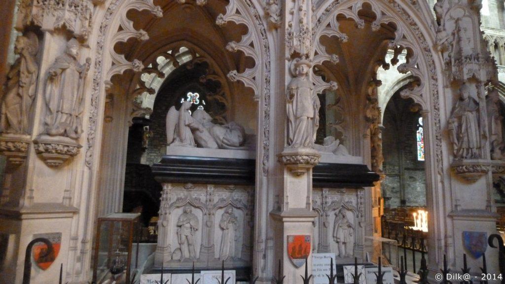 Le tombeau de Saint Yves